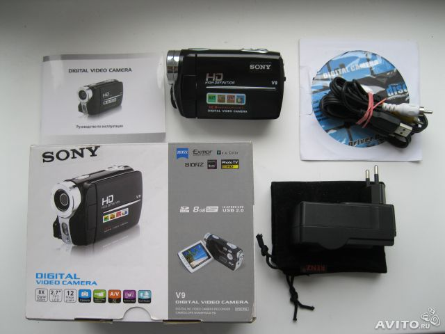 Изучаю спрос на видеокамеру Sony v9