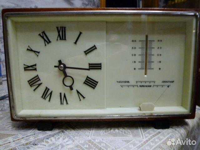Часы с градусником