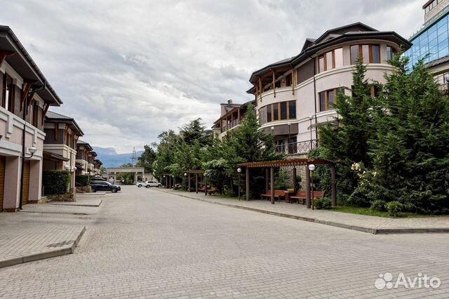 Продается трехкомнатная квартира за 8 800 000 рублей. респ Крым, г Ялта, пгт Массандра, ул Умельцев, д 1.