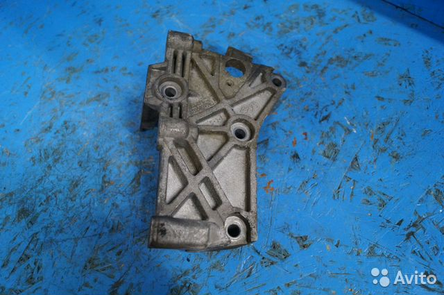 Кронштейн двигателя Рено 8200871583 89508006550 купить 1