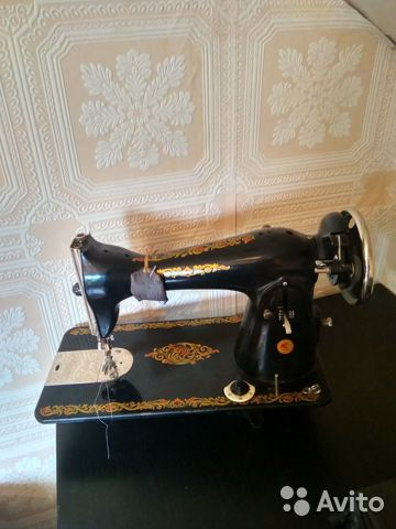 Швейная машина Чайка