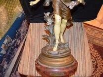 Старинная скульптура Охота на бабочек.Моро. 19 век