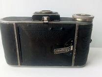Фотокамера ретро-модель из коллекции. ihagee Auto