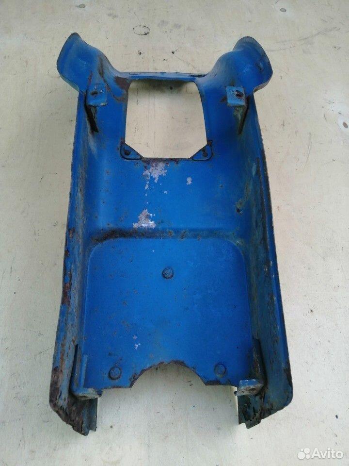 Часть облицовки мотороллера Муравей старого образц  89515008713 купить 5