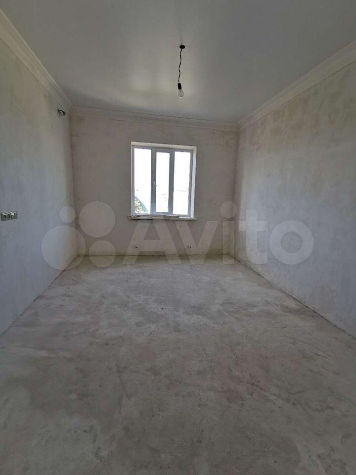 3-room apartment, 95 m2, 3/5 floor.  89094867676 buy 6